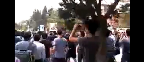 Anti-Ahmadinejad Demonstrations at Shahid Beheshi and Elm-o-Sanat Universities in Iran Today