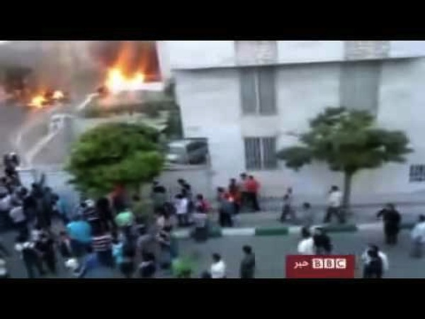Video: one year ago today, Basij fire live-rounds into the crowds